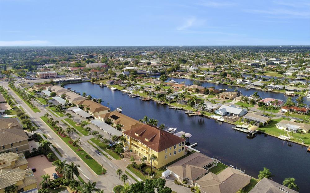 1713 Beach Pkwy #303, Cape Coral - Condo For Sale 91429043