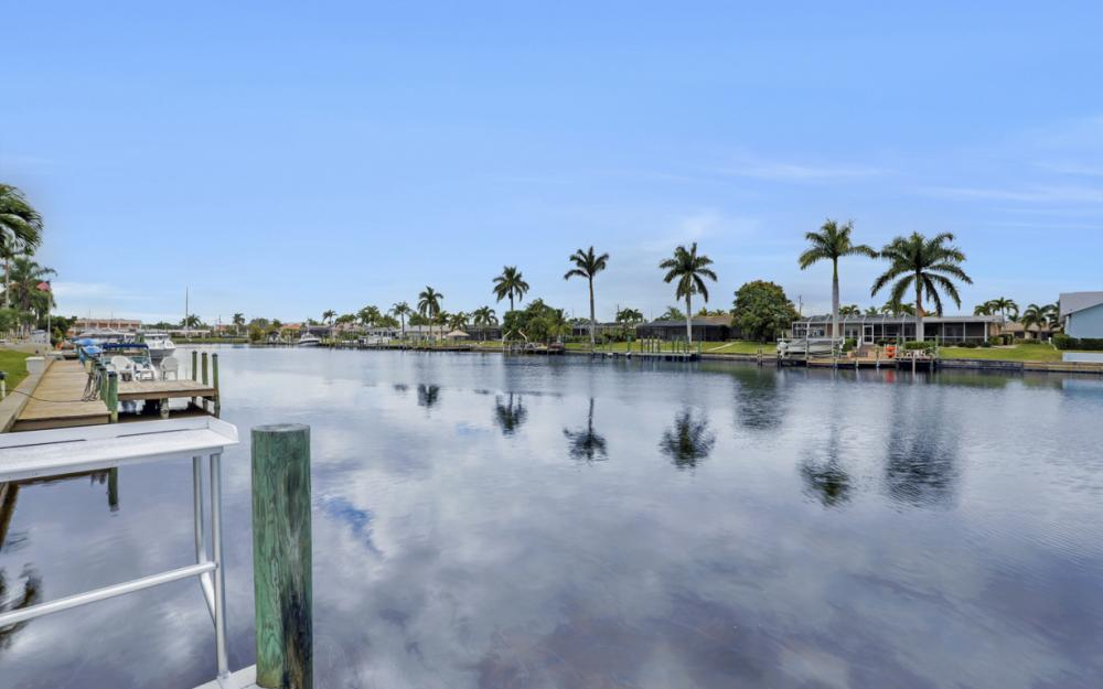 1713 Beach Pkwy #303, Cape Coral - Condo For Sale 2068203637