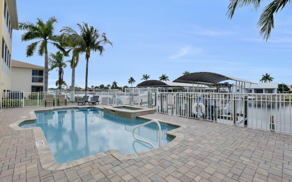 1713 Beach Pkwy #303, Cape Coral - Condo For Sale 204717119