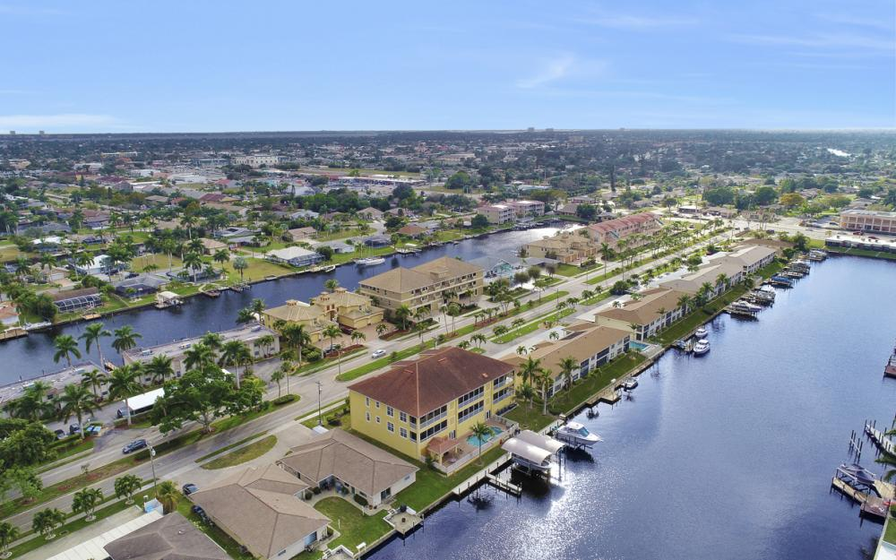 1713 Beach Pkwy #303, Cape Coral - Condo For Sale 710169609