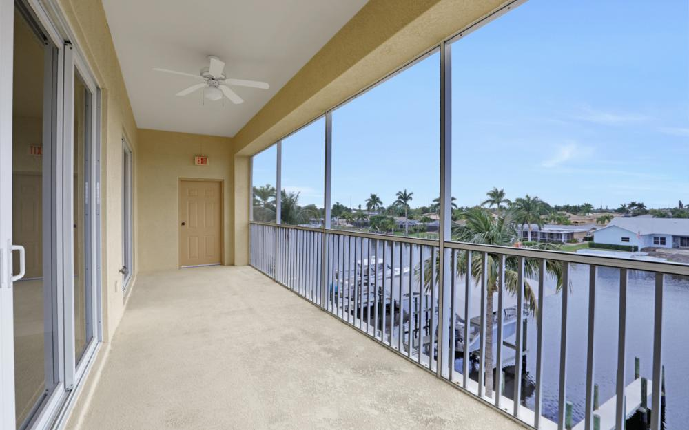 1713 Beach Pkwy #303, Cape Coral - Condo For Sale 92579401