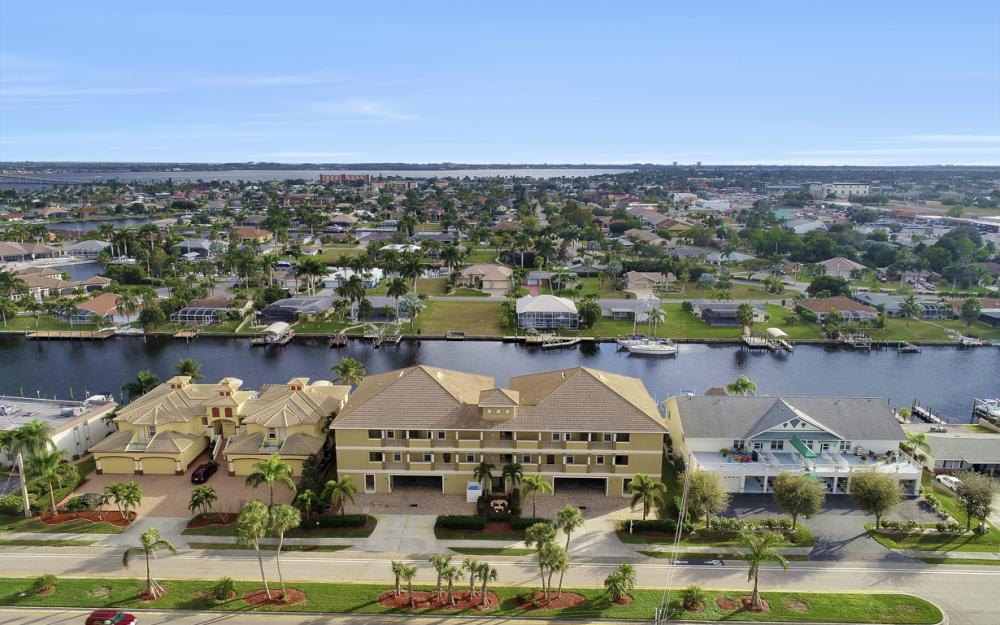 1640 Beach Pkwy #301, Cape Coral - Condo For Sale 567746868