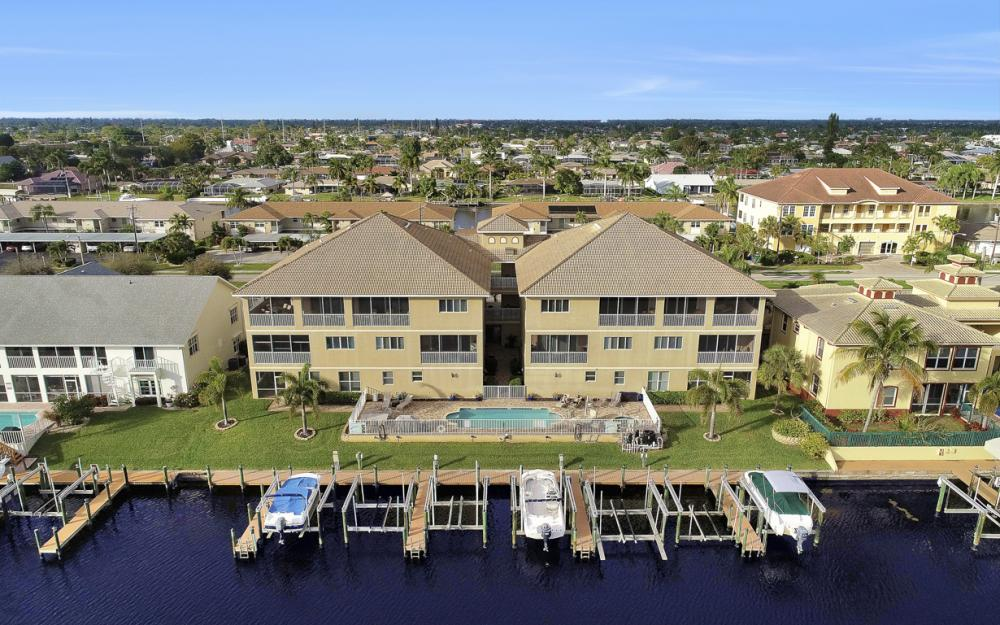 1640 Beach Pkwy #301, Cape Coral - Condo For Sale 1866024873