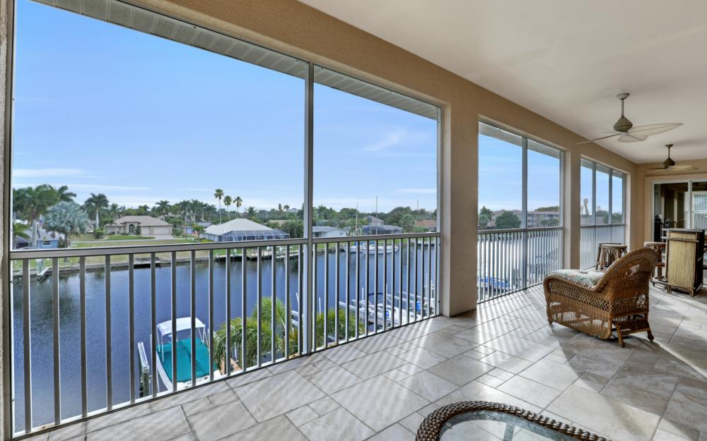 1640 Beach Pkwy #301, Cape Coral - Condo For Sale 84462158