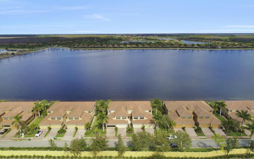 10634 Smokehouse Bay DR # 202. Naples - Condo For Sale 540419452