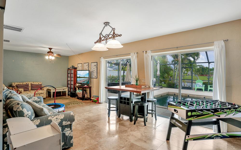 4025 Country Club Blvd, Cape Coral - Home For Sale 1454926418