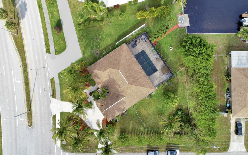 4025 Country Club Blvd, Cape Coral - Home For Sale 306109077