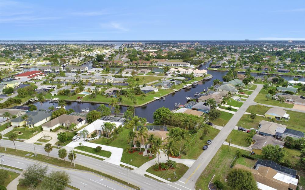 4025 Country Club Blvd, Cape Coral - Home For Sale 1748969648