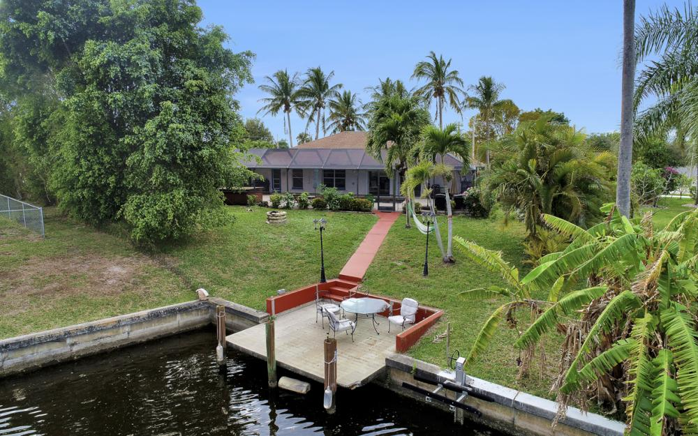 4025 Country Club Blvd, Cape Coral - Home For Sale 467142279