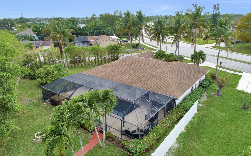 4025 Country Club Blvd, Cape Coral - Home For Sale 1692676319