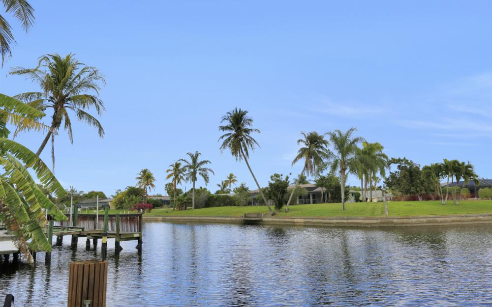 4025 Country Club Blvd, Cape Coral - Home For Sale 750730861