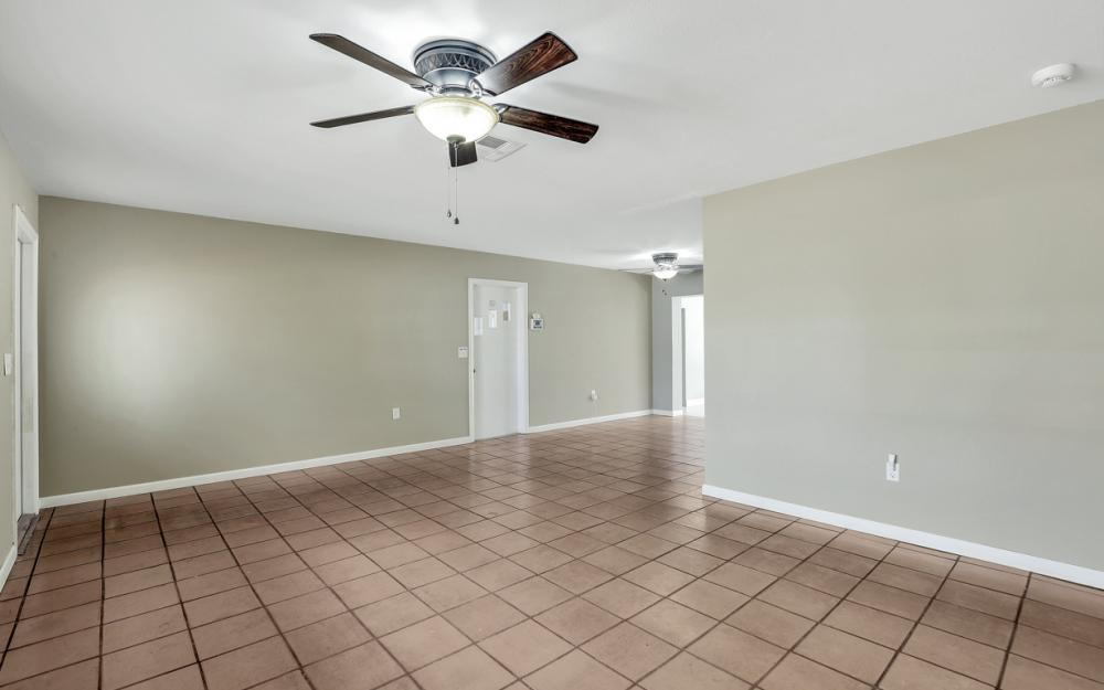2142 Crystal Dr, Fort Myers - Home For Sale 1803191855