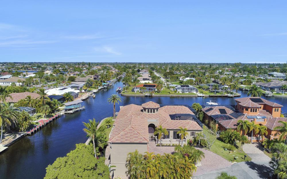 5103 SW 3rd Ave, Cape Coral - Home For Sale 970285048
