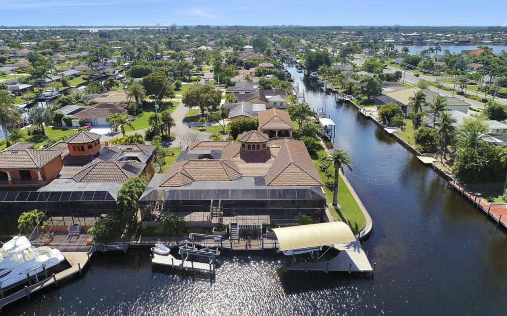 5103 SW 3rd Ave, Cape Coral - Home For Sale 1131007542