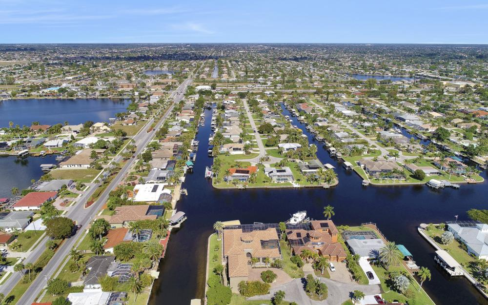 5103 SW 3rd Ave, Cape Coral - Home For Sale 752019307