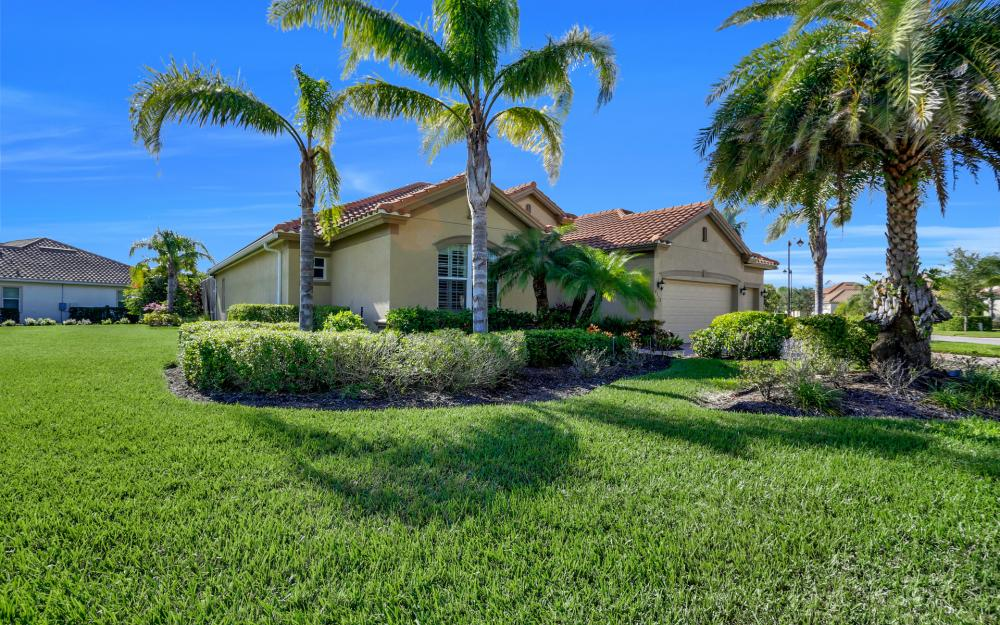 9738 Nickel Ridge Cir, Naples - Home For Sale 1869036184