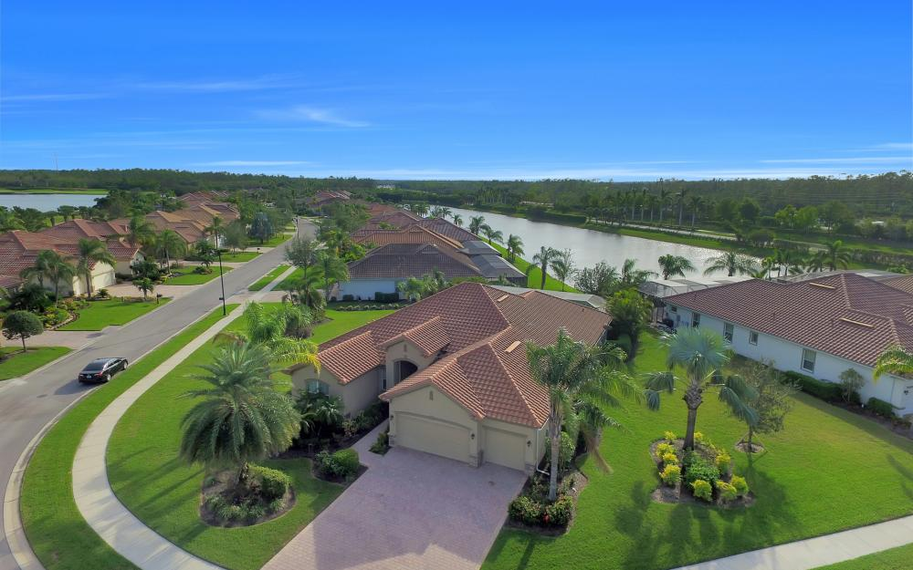 9738 Nickel Ridge Cir, Naples - Home For Sale 2095654262