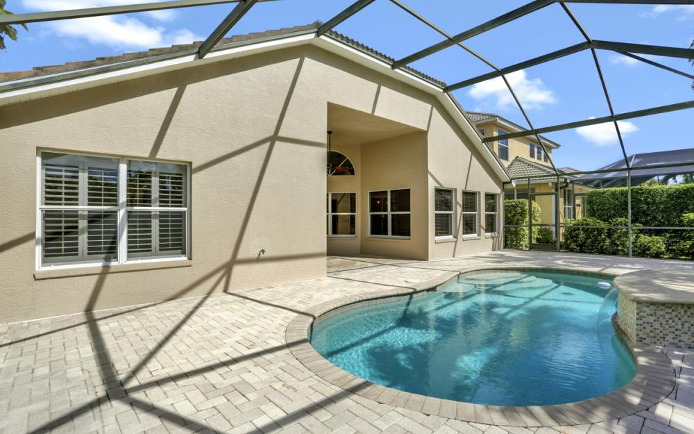 6753 Southern Oak Ct, Naples - Home For Sale 555226728