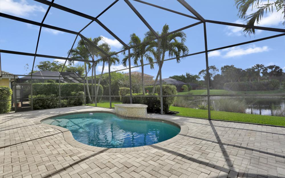 6753 Southern Oak Ct, Naples - Home For Sale 892586996