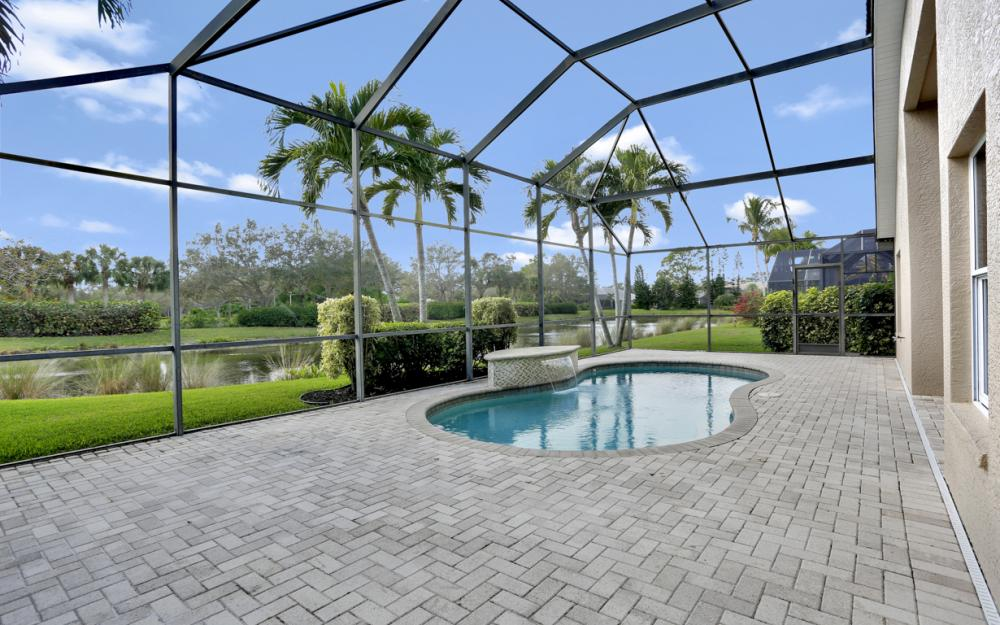 6753 Southern Oak Ct, Naples - Home For Sale 933444466