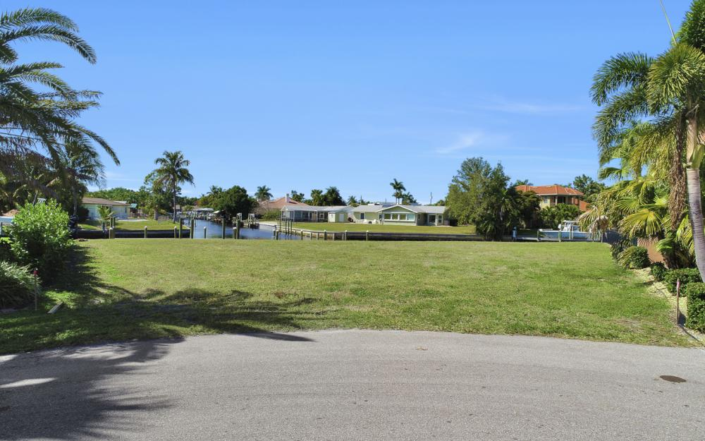464 Keenan Ct, Fort Myers - Lot 993366769