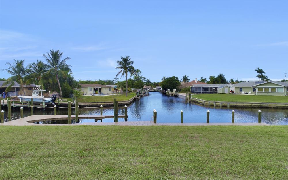 464 Keenan Ct, Fort Myers - Lot 86856489
