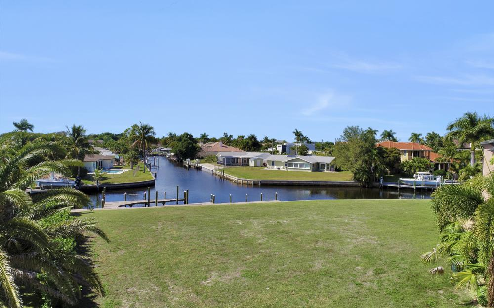 464 Keenan Ct, Fort Myers - Lot 688222405