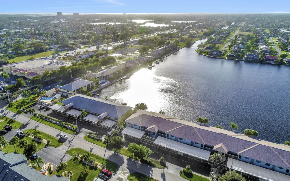 4704 SW. Santa Barbara Pl #102 Cape Coral - Condo For Sale 2039181371