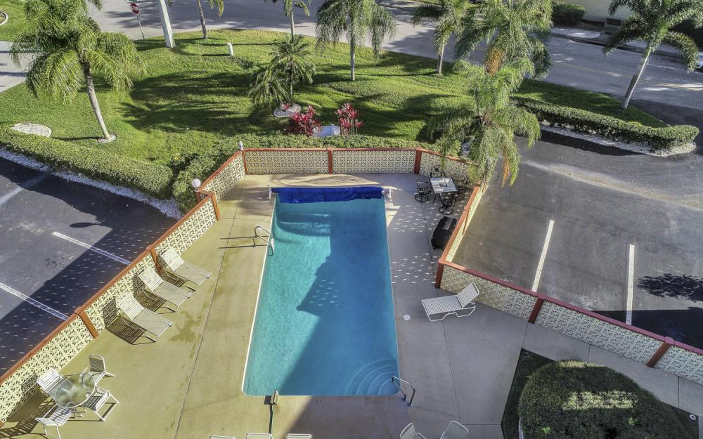 4704 SW. Santa Barbara Pl #102 Cape Coral - Condo For Sale 1790508722