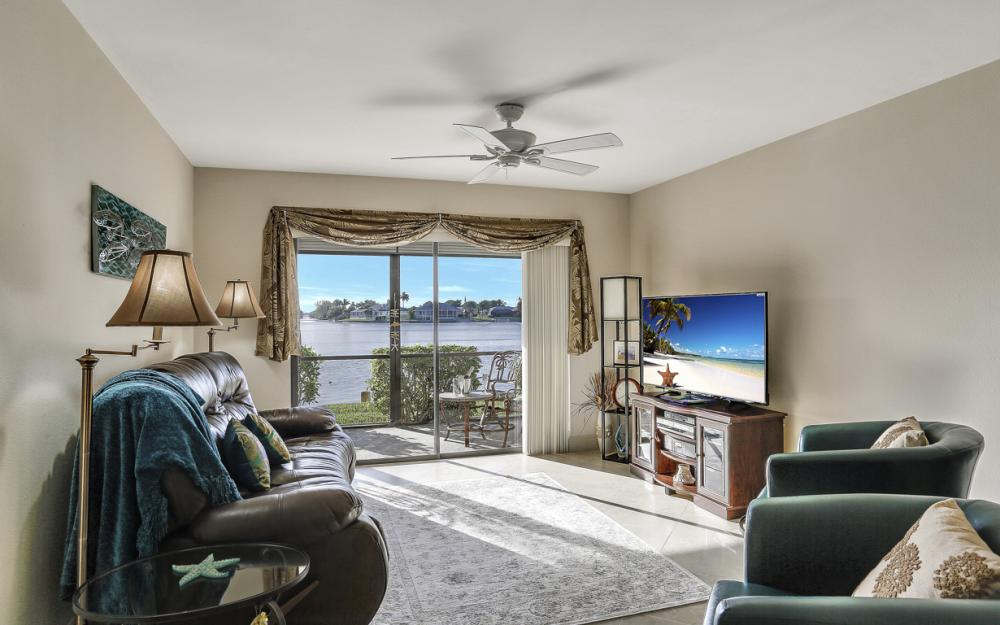 4704 SW. Santa Barbara Pl #102 Cape Coral - Condo For Sale 81664087