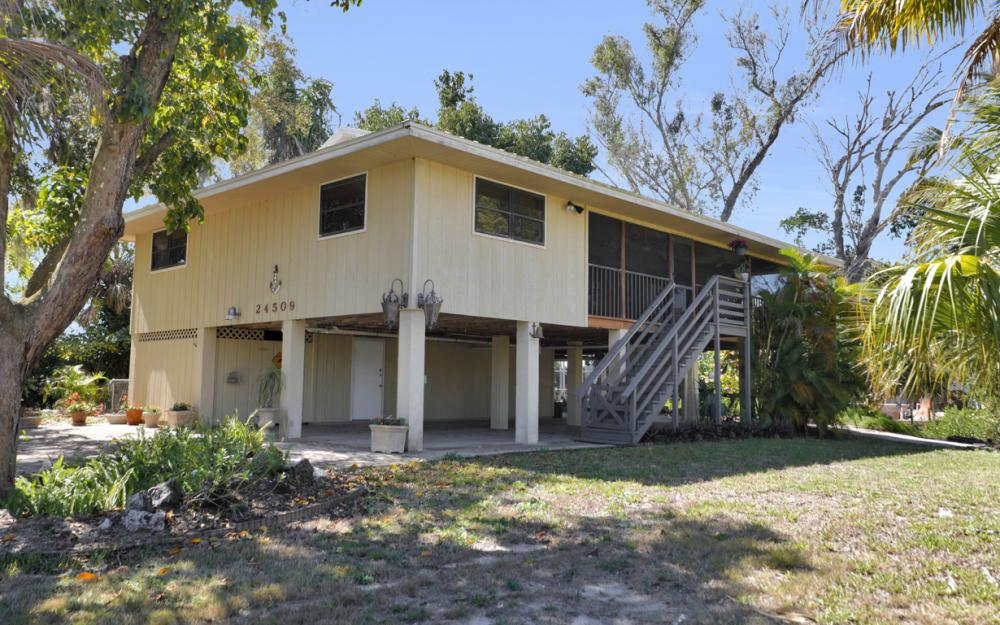 24509 Dolphin St, Bonita Springs - Home For Sale 114143099