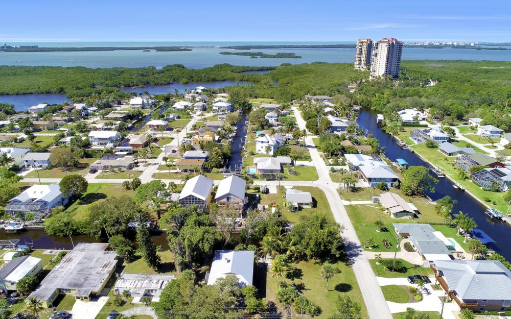 24509 Dolphin St, Bonita Springs - Home For Sale 1846245267