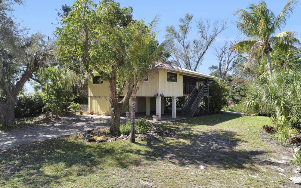 24509 Dolphin St, Bonita Springs - Home For Sale 1328165073