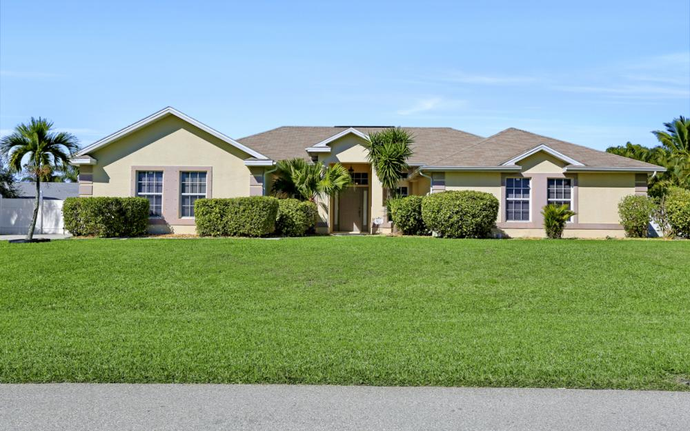 2011 SW 28th Ln Cape Coral - Home For Sale 1917496188