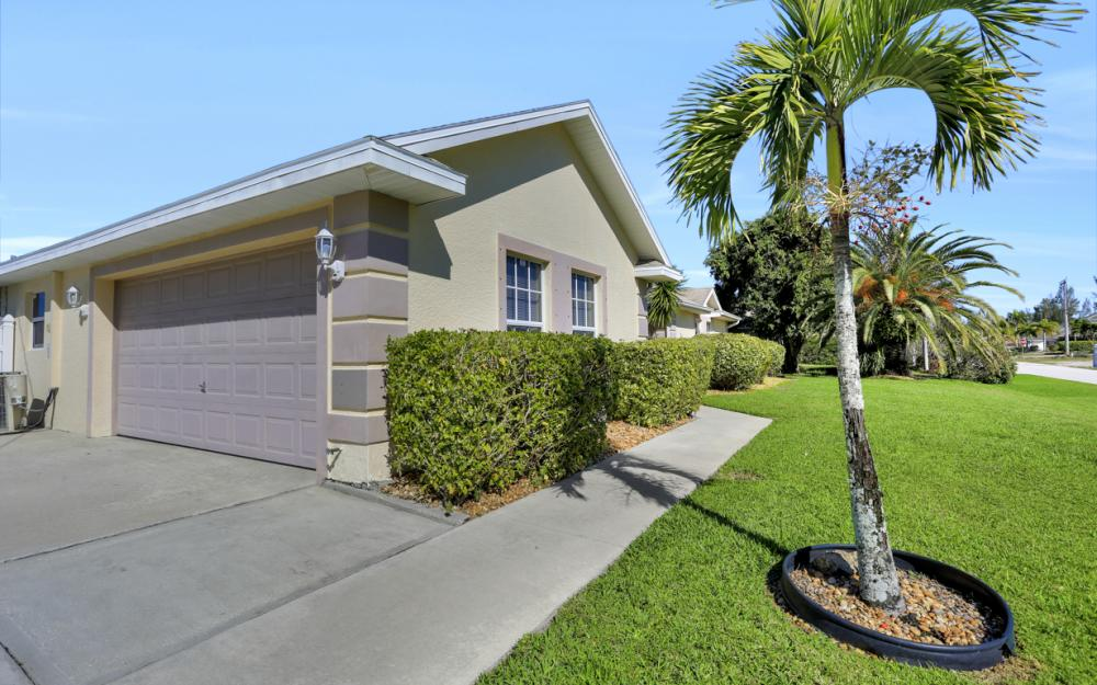 2011 SW 28th Ln Cape Coral - Home For Sale 530050429