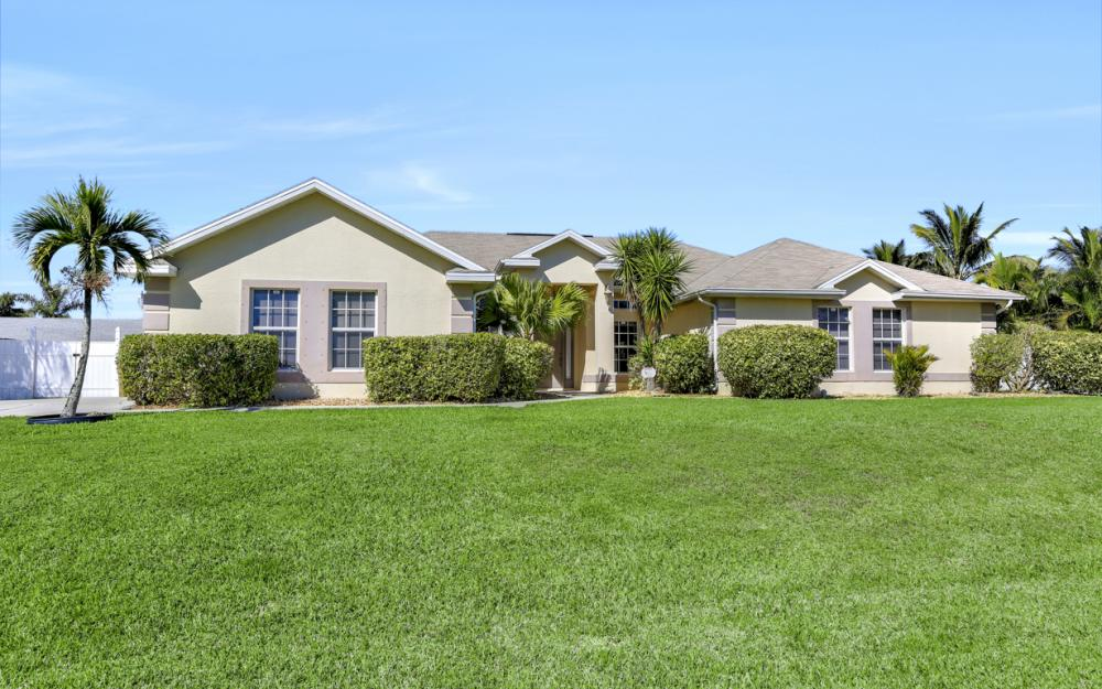 2011 SW 28th Ln Cape Coral - Home For Sale 142012536