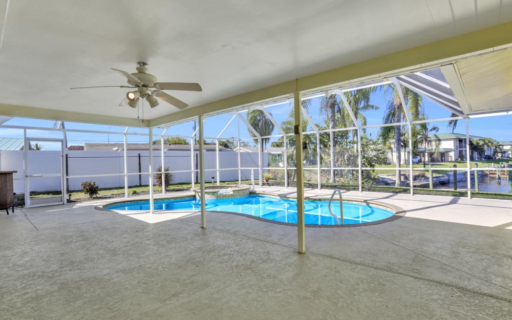 1609 SE 40th St, Cape Coral - Home For Sale 1352242595