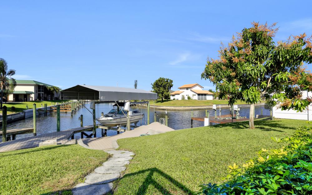 1609 SE 40th St, Cape Coral - Home For Sale 1961722679