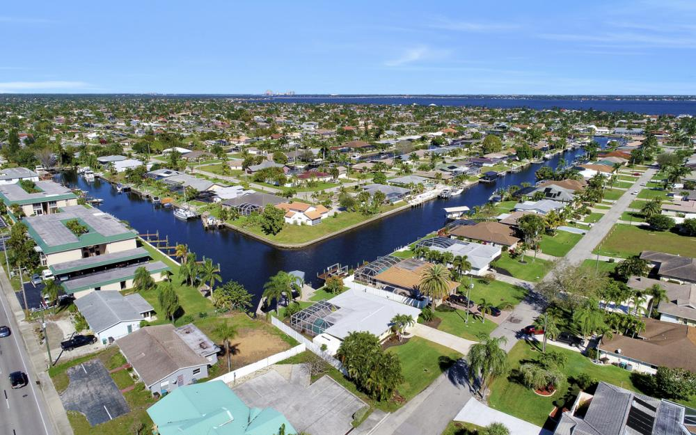 1609 SE 40th St, Cape Coral - Home For Sale 1171413291