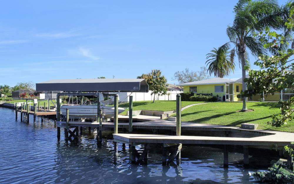 1609 SE 40th St, Cape Coral - Home For Sale 924186434