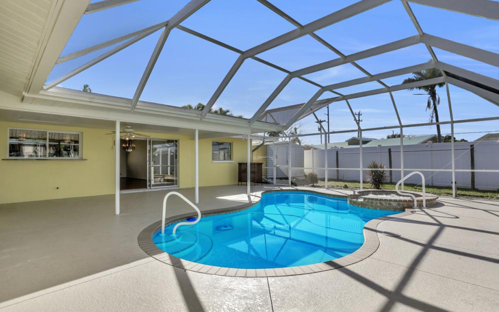 1609 SE 40th St, Cape Coral - Home For Sale 443969878