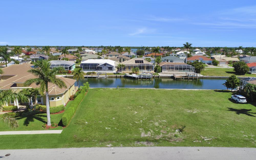 223 Seahorse Ct, Marco Island - Lot For Sale 2058923884