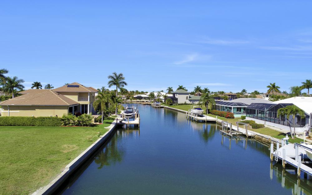 223 Seahorse Ct, Marco Island - Lot For Sale 1184104099