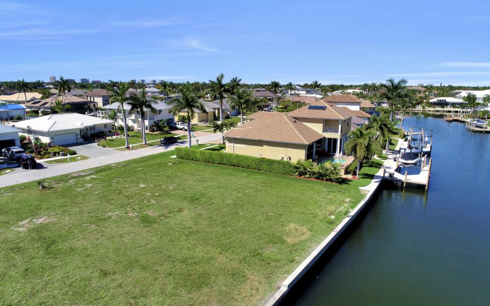 223 Seahorse Ct, Marco Island - Lot For Sale 1176021463