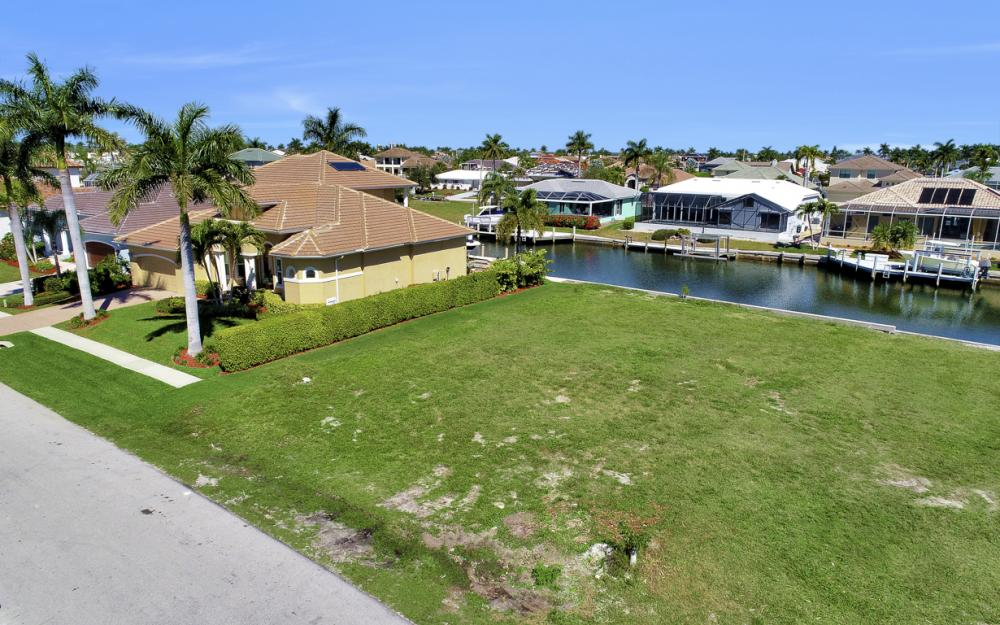 223 Seahorse Ct, Marco Island - Lot For Sale 1808889797