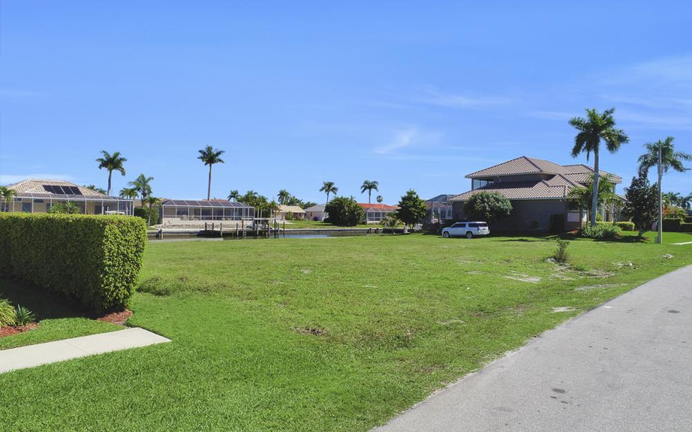 223 Seahorse Ct, Marco Island - Lot For Sale 1615228435