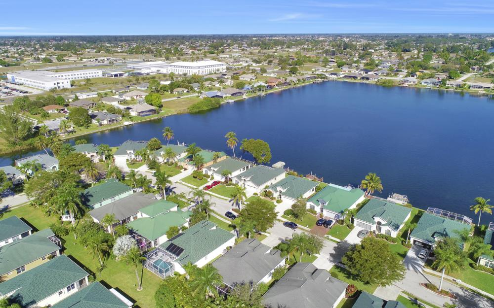 1737 Emerald Cove Cir, Cape Coral - Home For Sale 1456969293