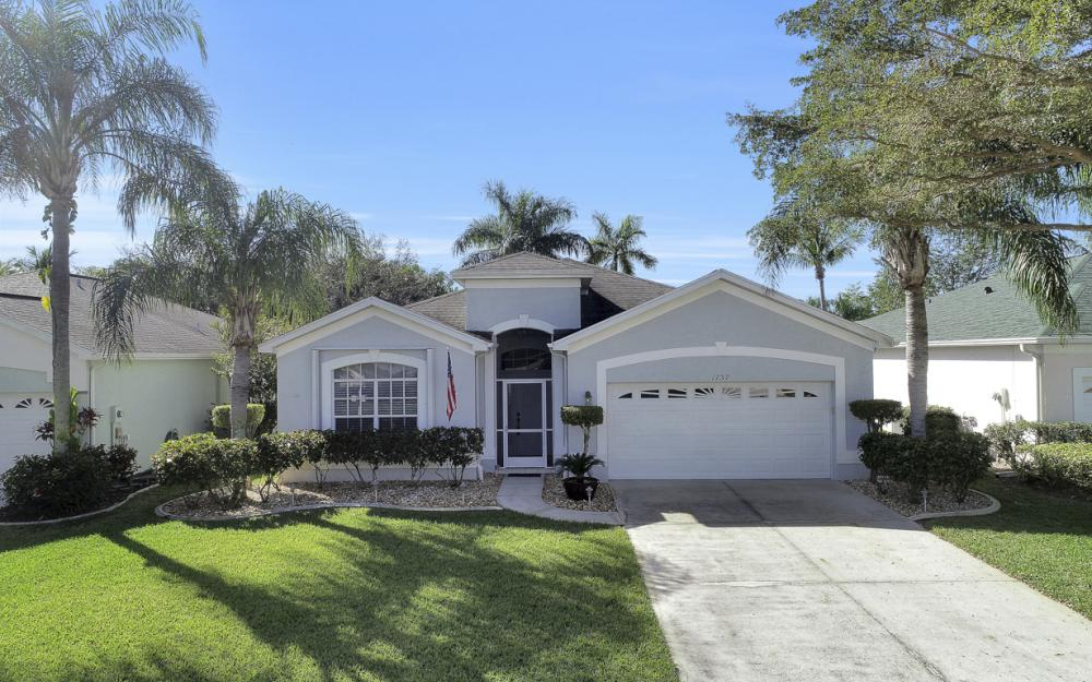 1737 Emerald Cove Cir, Cape Coral - Home For Sale 58556140