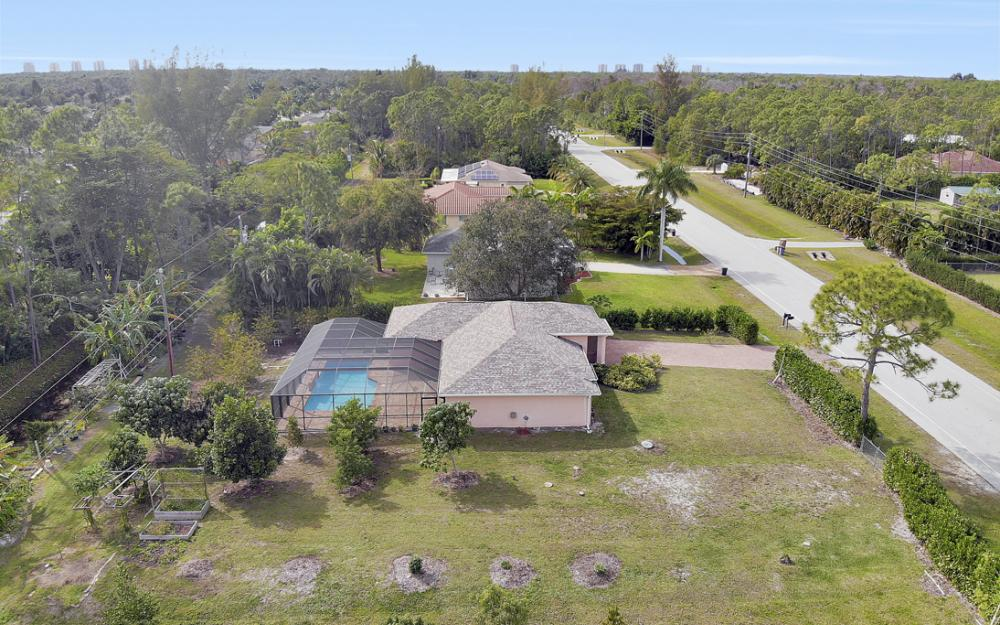 10440 Strike Ln, Bonita Springs - Home For Sale 82606966