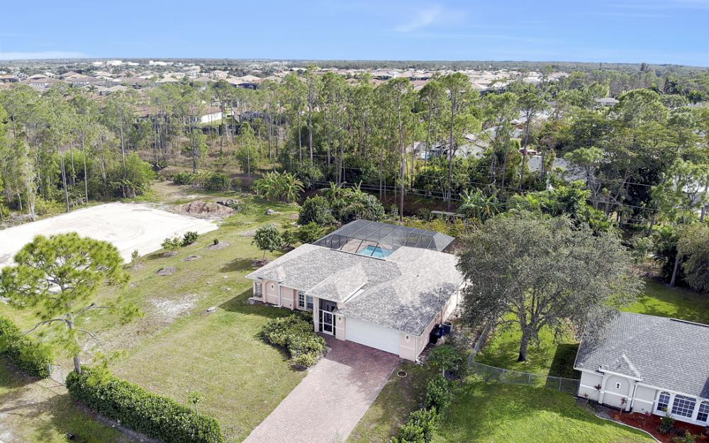 10440 Strike Ln, Bonita Springs - Home For Sale 670062670
